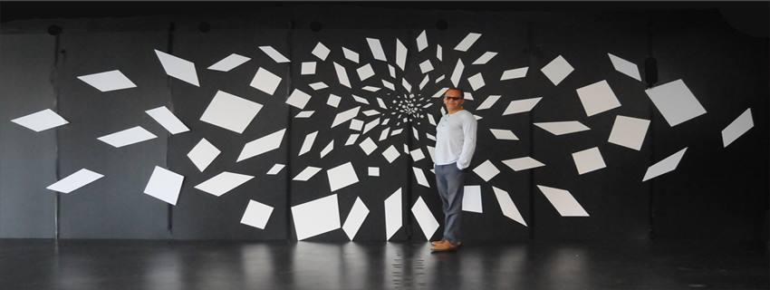 Big Ban esta inspirada en la exposición de Rolando Peña